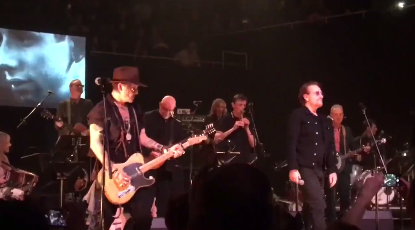 Bono, Johnny Depp, Nick Cave and co en concert à Dublin