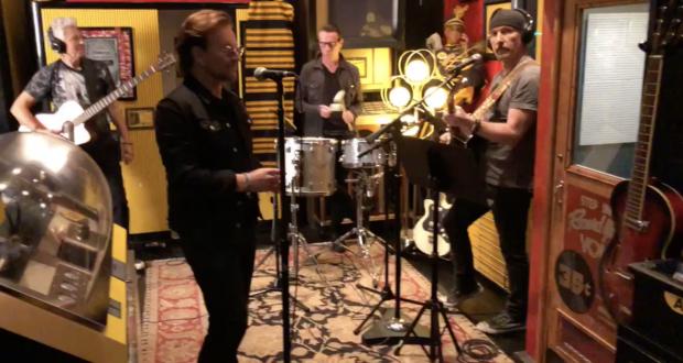 U2 en acoustique dans le studio de Jack White